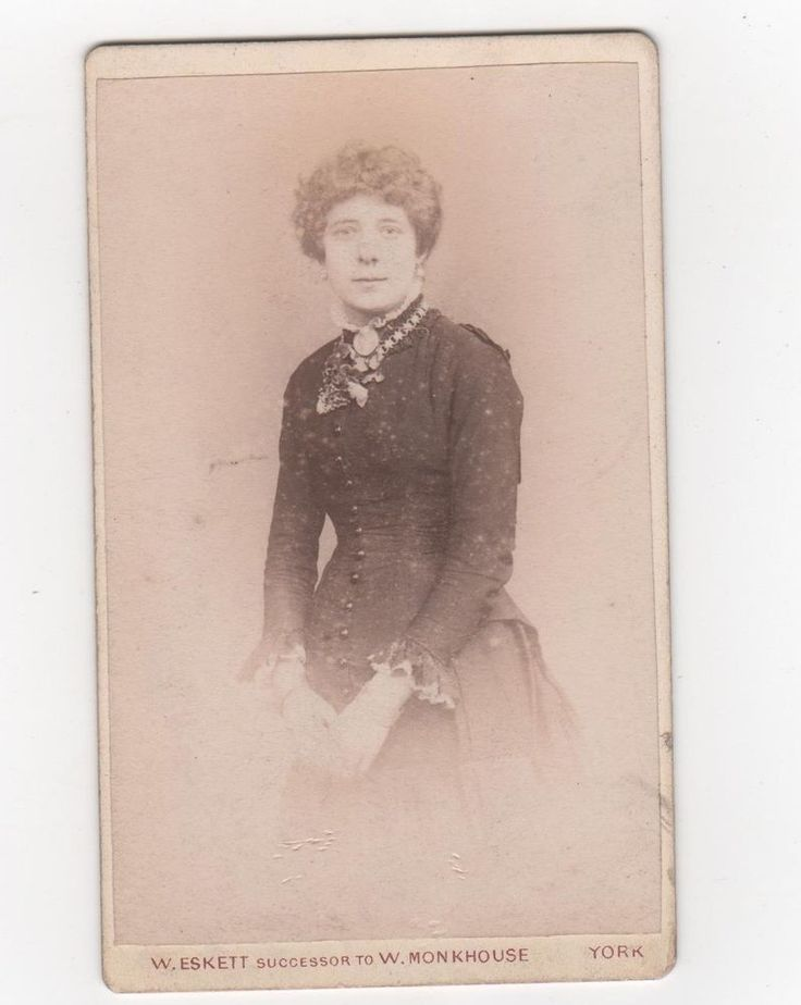 Carte De Visite CDV Photo By W.Eskett York Of Well Dressed Lady Nice Jewellery  | eBay
