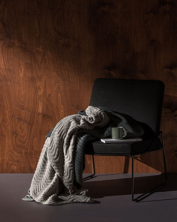 As the mornings and nights get cooler, we look for cosier pieces to layer through the home. Think warm woollen throws, tactile knits and textured bed linen.