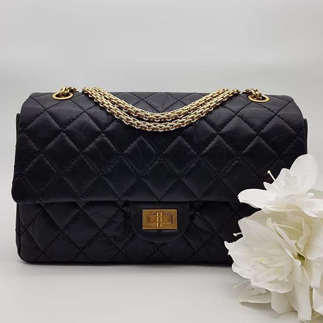 4300 Wire Preloved Chanel 2 55 Reissue 226 Black Lambskin Gold Hardware Serial Code Starting With 165 Comes With Authen Minimal Bags Chanel Reissue Chanel