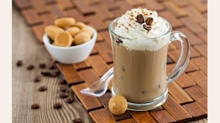 Yaz mevsimine yakışır Soğuk Kahve ile hem muhteşem kahve tadını hem de ferahlatıcı lezzeti bir arada bulacaksın! Peki bu lezzeti kendin yapmaya ne dersin?
