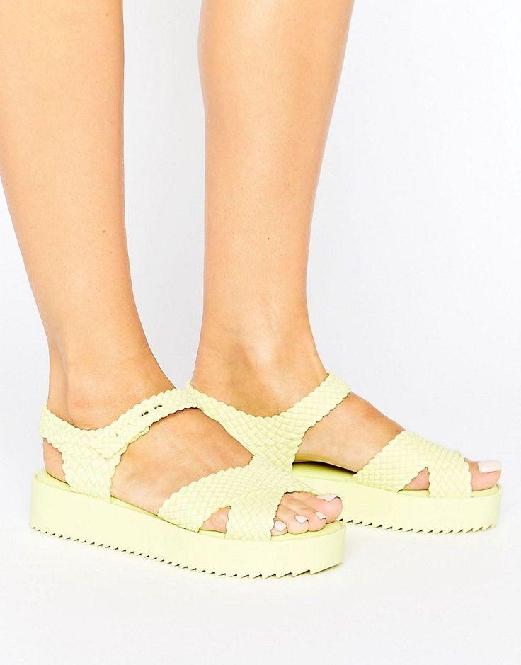 MELISSA SALINAS HOTNESS SANDALS - YELLOW. #melissa #shoes #