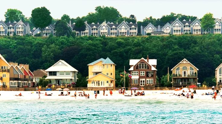 This Ontario Beach Town Is The Perfect Destination For A Summer Escape