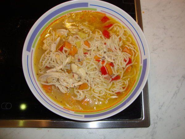 Bucataria cu noroc - Supa de pui cu fidea