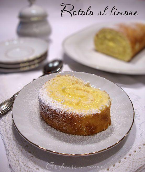 Rotolo al limone. Relleno: 2 yemas de huevo Azúcar impalpable 60g 1 limón 300 g de leche 40 g de almidón de maíz Azúcar impalpable para cubrir