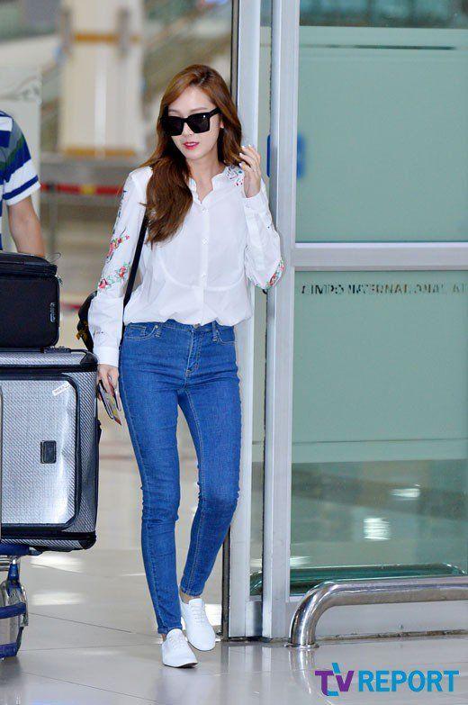K-world Style (K-pop & K-Drama Fashion): (160607) Jessica Jung's Just Right Airport Fashion