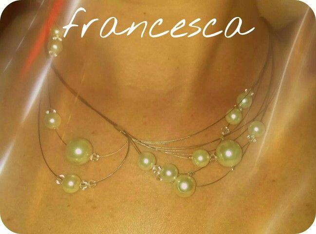 Collana con perle e swaroski. ...