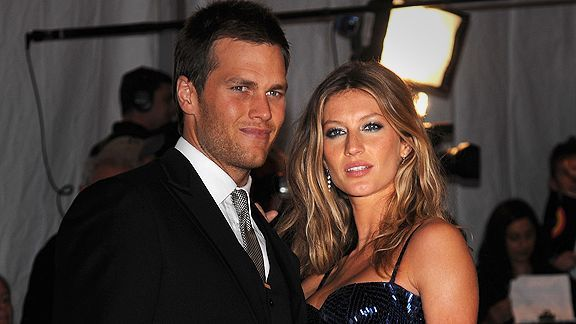 Tom Brady and his wife, Gisele, are in Costa Rica with wide receiver Wes Welker and his girlfriend.