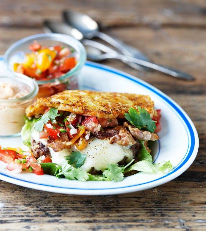Triple cheeseburger – opskrift på den vildeste LCHF-burger