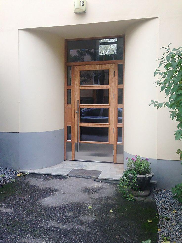 Klassiska dörrar och portar i ek