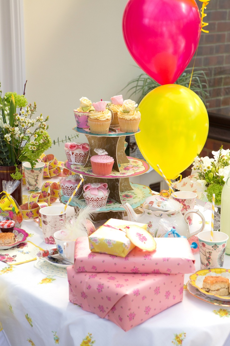 Vintage themed celebration, perfect disposable products for your wedding or celebration by www.fuschiadesigns.co.uk.