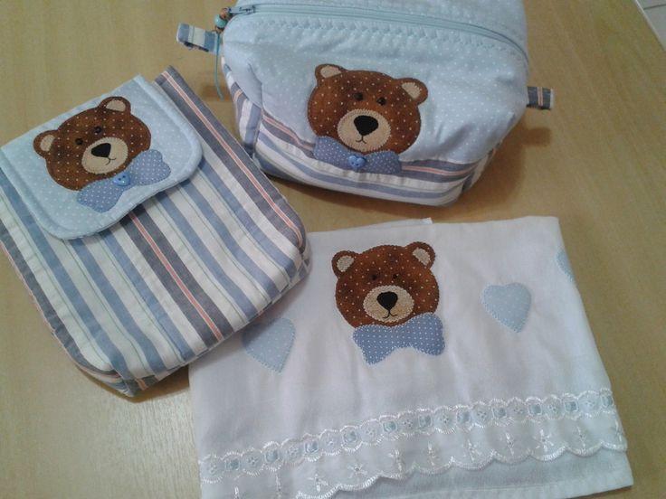 01 porta fraldas tecido 100 % algod�o, forrada e revestida com manta acr�lica, <br>01 necessaire <br>01 fralda <br>Pode ser vendido separadamente.