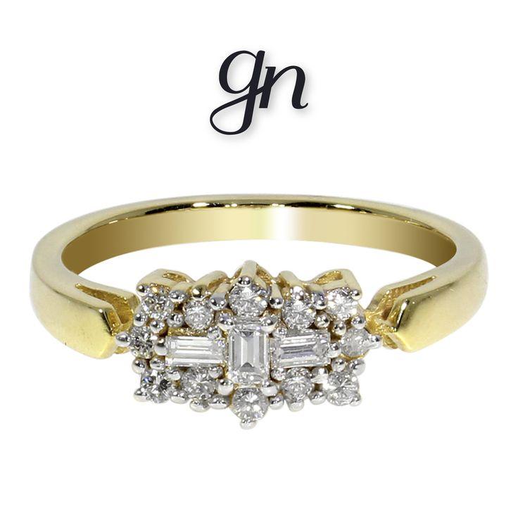 Elegante anillo estilo barco. Oro 14k Diamante natural de mina en corte baguette y corte brillante. .17ct o .45ct. ¡Sólo en GN!