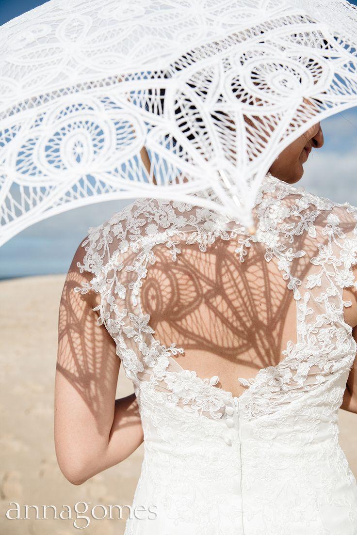 Detail on laced wedding dress. Summer weddings.
