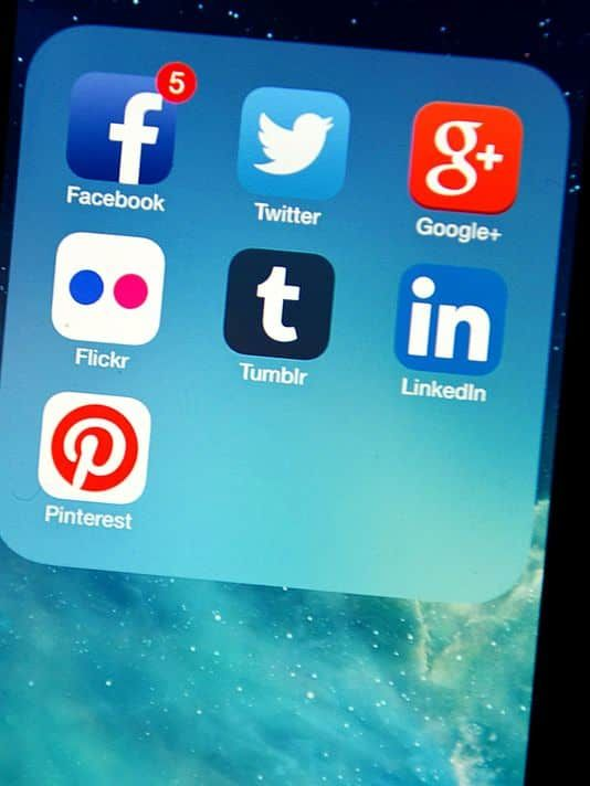 How to deal with social media stress when you just can't.