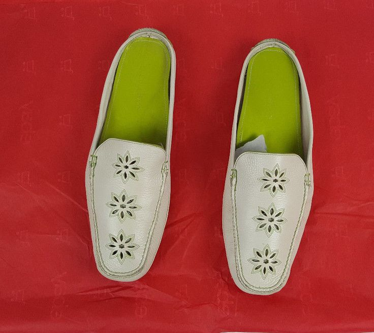 Women's Cole Haan Resort Sz 9B Green & Light Beige Leather Slip OnFloral  Cut Out