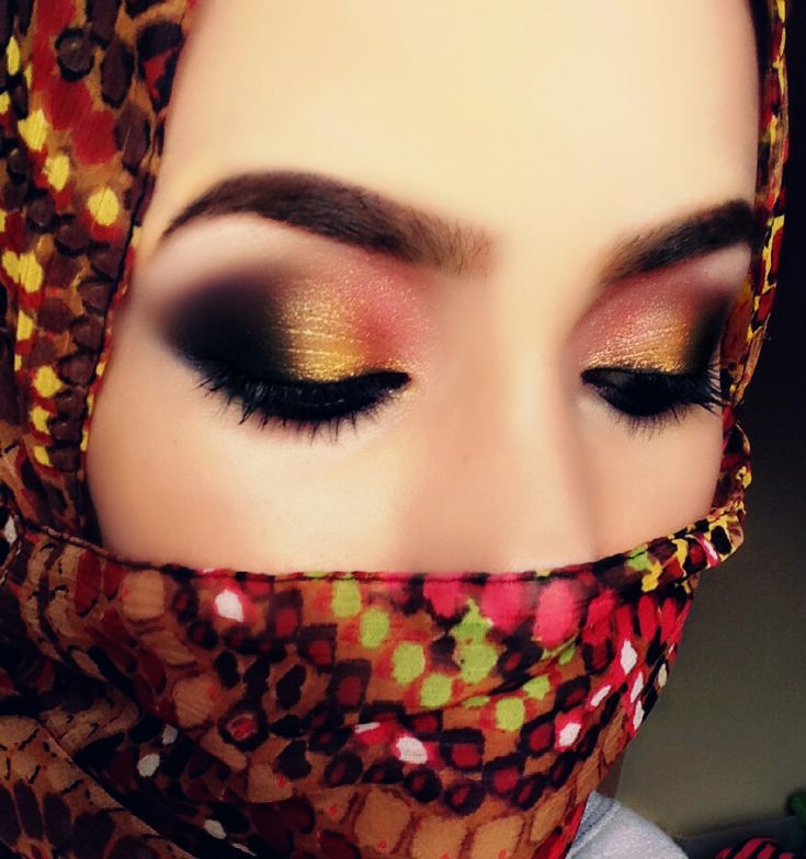 Gold And Rubies (Arabic Makeup)