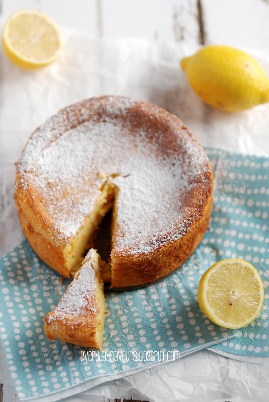EVERYDAY FLAVOURS: LEMON CAKE.