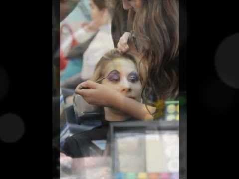 Assista esta dica sobre Projeto de Conclusão do Curso de Maquiagem Embelleze Tucuruvi- 4/8/2012 e muitas outras dicas de maquiagem no nosso vlog Dicas de Maquiagem.