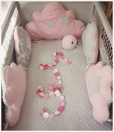 Tour de lit bébé réalisé SUR COMMANDE délais 5 semaines Pour habiller le lit de votre petit bout de choux voici un tour de lit moelleux en forme de nuage il est complè - 13780431