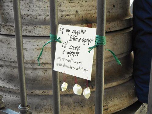 in un oggetto fatto a mano c'è mente e cuore  #eitcraftivism #handmaderevolution  (pic by Isabella - www.etsy.com/it/shop/cosediisa )