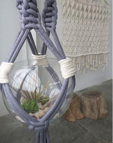 Les 31 meilleures images du tableau suspension plante cache pot sur pinterest jardinage - Suspension pot de fleur macrame ...