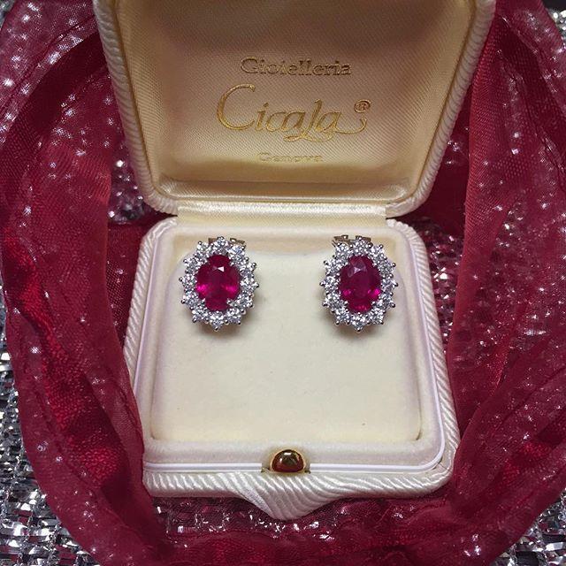 Orecchini in oro con rubini ovali 3,57ct e diamanti 1,34ct G VS - MIRCO VISCONTI - Cicala.it