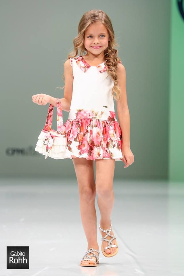 http://www.topstylekids.com/desfile-childrens-fashion-europe-en-cpm-kids-moscu/