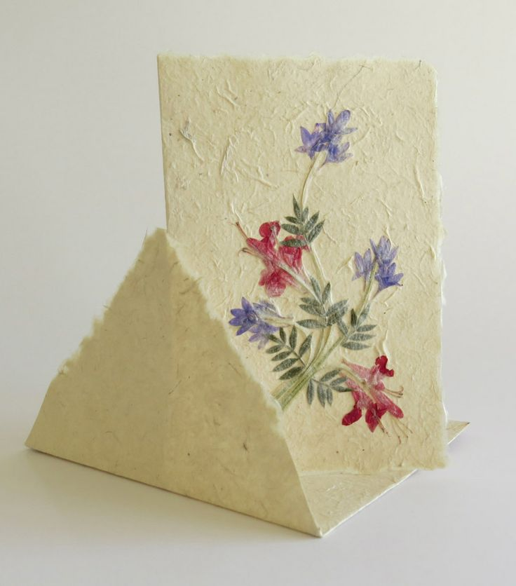 Fair Trade card made of bark, water, fresh flowers - and lots of craftskills.