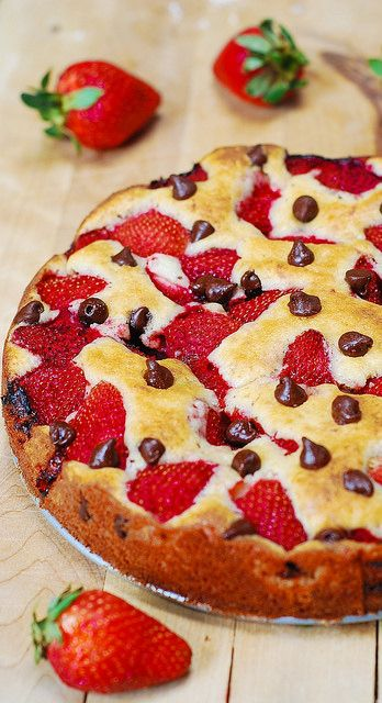 Strawberry chocolate chip cake by JuliasAlbum.com, via Flickr