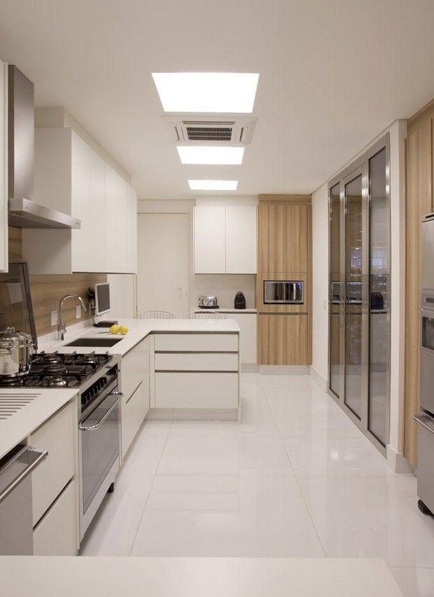 Não gosto dessa cozinha branca, feia e nada charmosa Mais