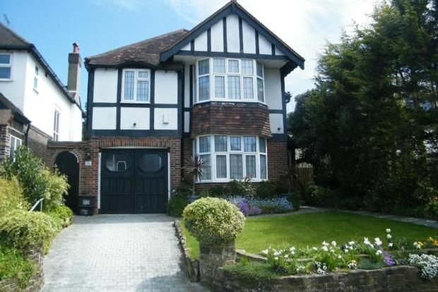 Detached house in Hove Park Way, Hove, East Sussex