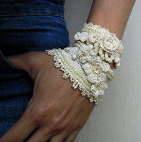 Brazalete pulsera, Bejge pulsera brazalete, brazalete pulsera de cuentas, joyas, pulsera hecha a mano, Crochet Freeform, ribete con cuentas de encaje de ganchillo