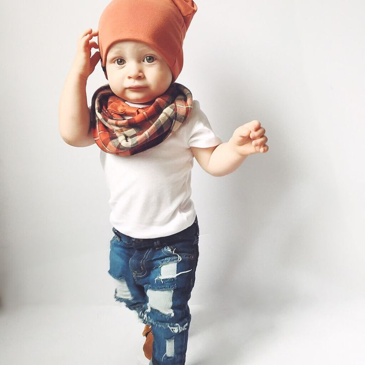Adorable fall baby boy outfit. Would be great for family photos.