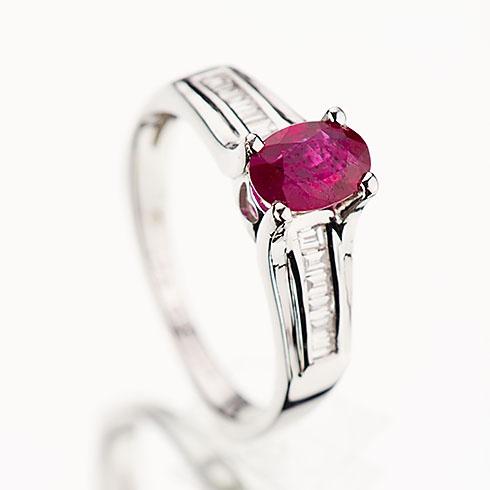 Inel unicat din aur cu rubin si diamante P911