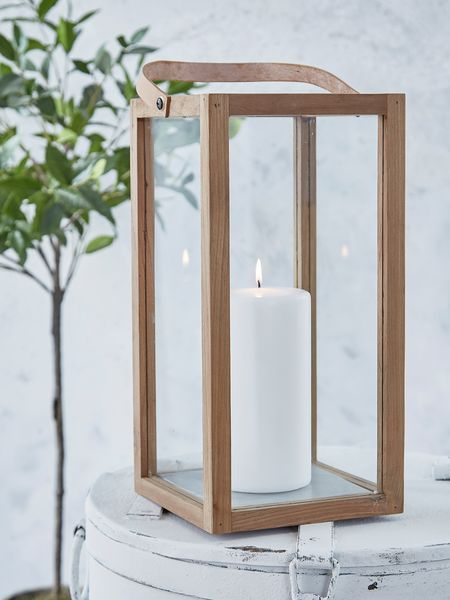 This uber-chic Danish minimalist teak lantern with its straight lines makes an immediate impact.