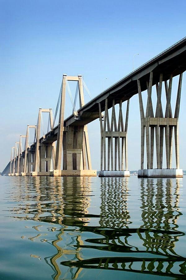 Puente sobre  el lago de Maracaibo. Venezuela