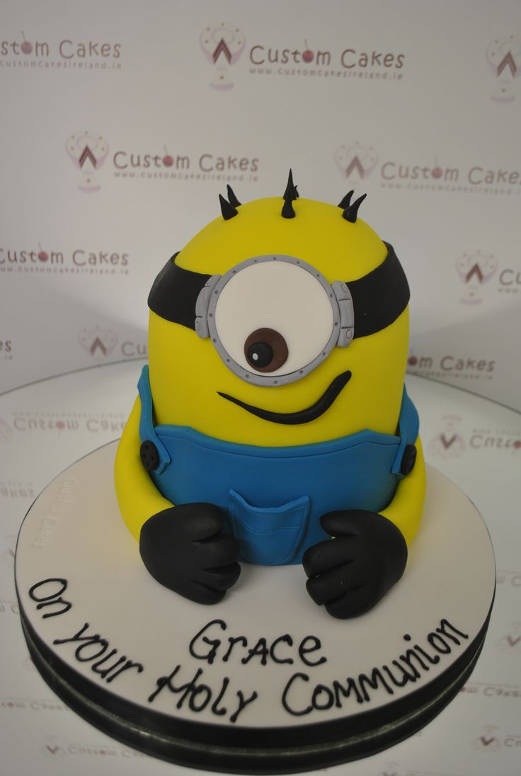 Minion Cake for a lucky Communion girl