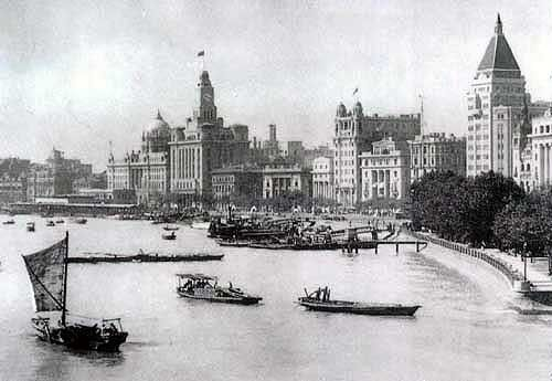 Shanghai's Huang Pu River circa early 1900′s