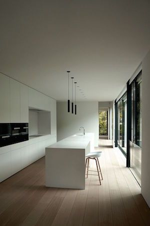 Minimal Kitchens are easier to clean, and even easier to use. Minimal Kitchens tend to look white grey and black but don't be put off - What this means it that they tend to never date or look old fashioned. You can always update a minimal kitchen with appliances, decorations, tea towels and lighting.