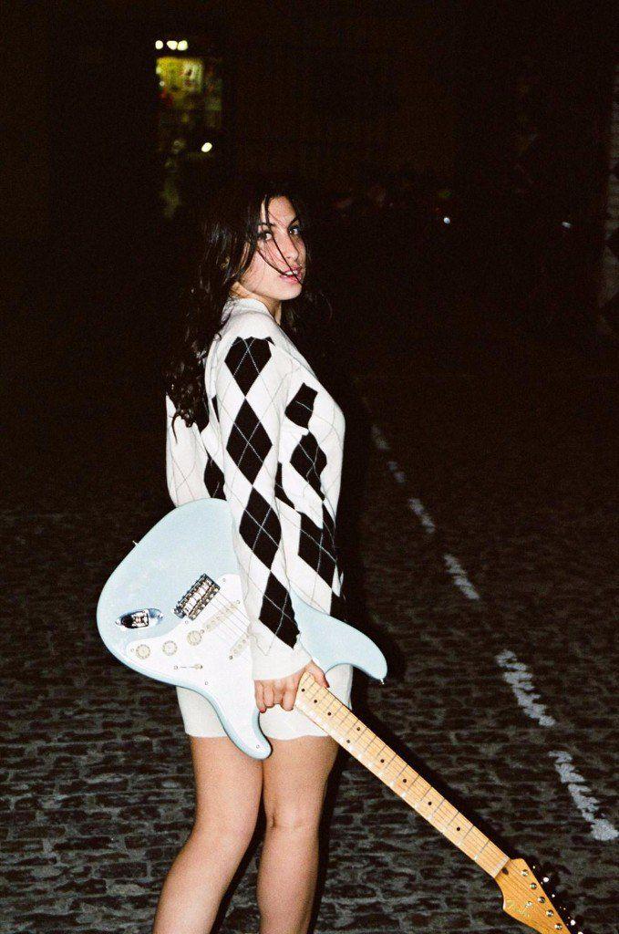 fotos de amy winehouse guitarra