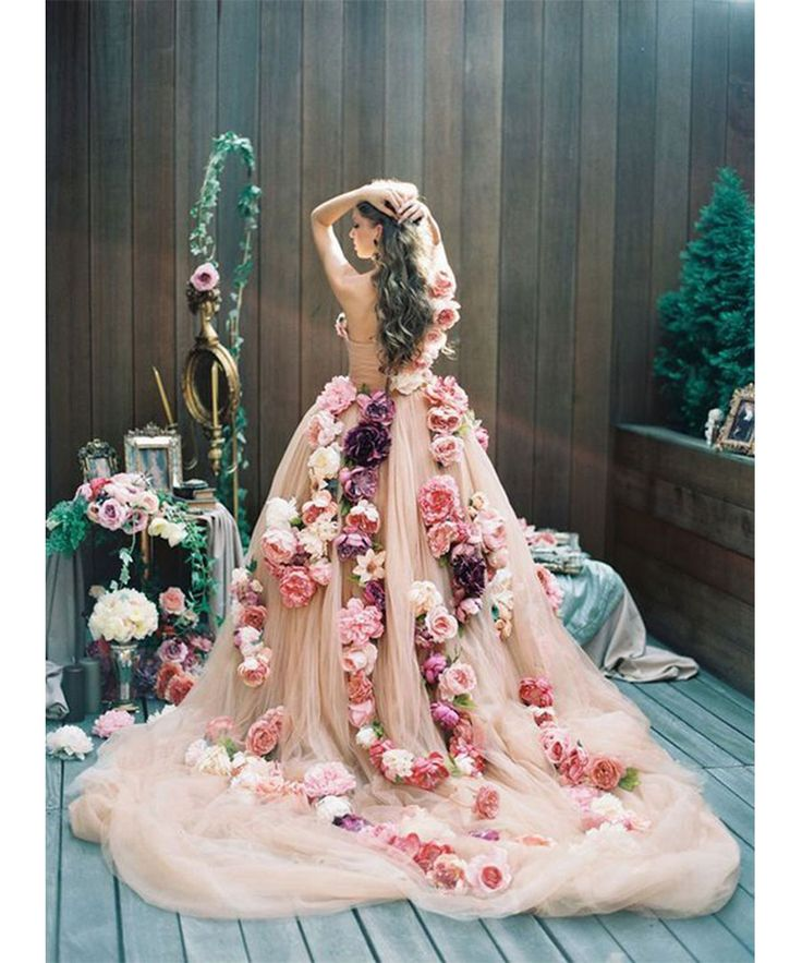 Non Traditional Floral Wedding Dresses: 25+ Best Ideas About Nontraditional Wedding Dresses On