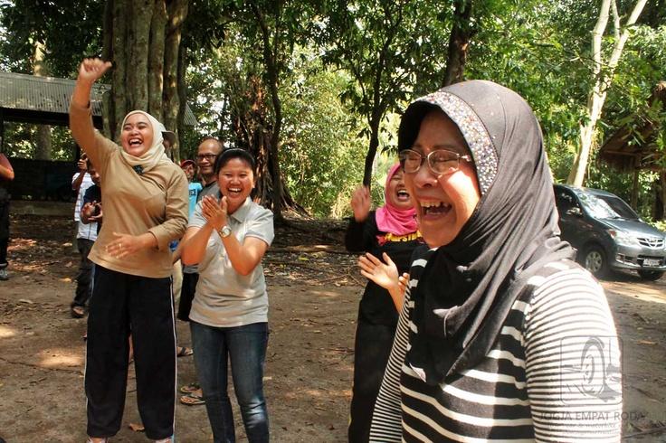 Wahai Kawan, Inilah Tertawa Bahagia http://jogjaempatroda.blogspot.com/