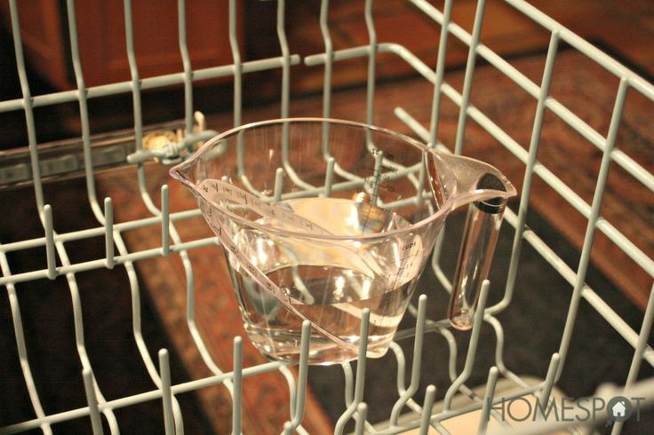 How to clean your dishwasher effortlessly with only vinegar.