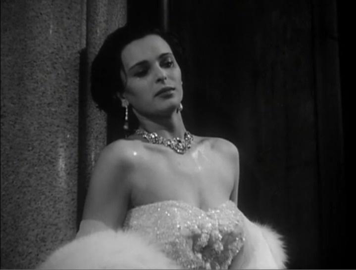 "Lucia Bosè in ""Cronaca di un amore"""