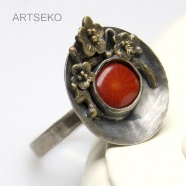 Koral w kwiatach srebrny pierścionek www.KuferArt.pl