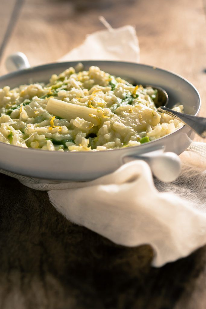 Groene en witte asperge risotto - The answer is food
