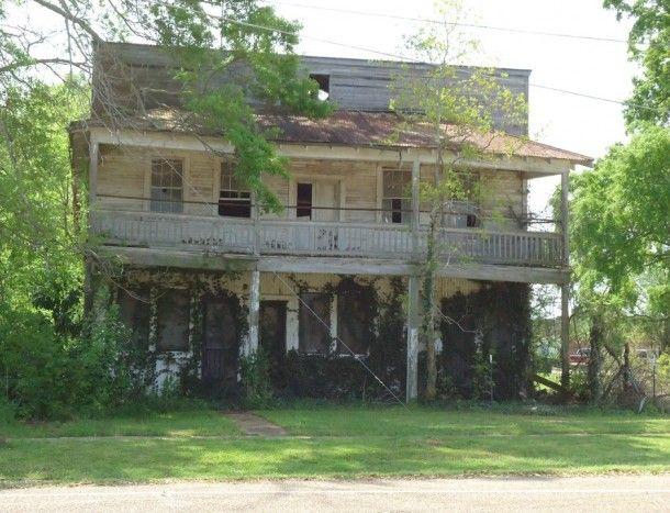 Abandoned Hospital - Moreauville LA  #abandoned #hospital #moreauville