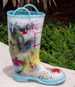 Decorative Stenciled Art Boot @krylonbrand