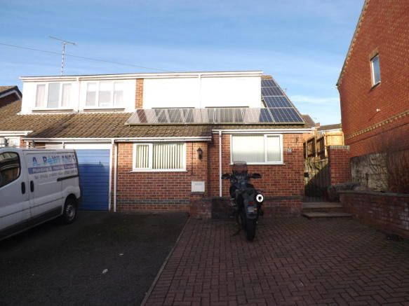 3 bedroom semi-detached house to rent - Leicester Road, Whitwick Key features  Three double bedrooms Family home Enclosed rear garden Driveway Separate dining area Available in February   #coalville #property https://coalville.mylocalproperties.co.uk/property/3-bedroom-semi-detached-house-to-rent-leicester-road-whitwick/