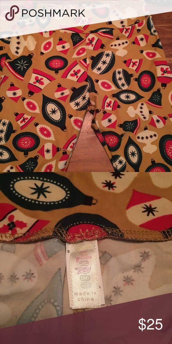 LuLaRoe Christmas Leggings Christmas leggings from 2015 collection. Only worn one time and washed by lularoe instructions. LuLaRoe Pants Leggings